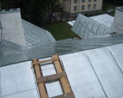 Tahvel topeltvaltsplekk katus